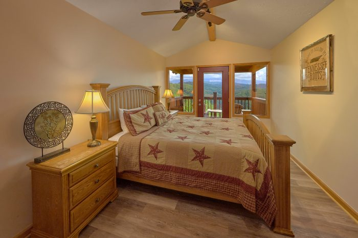 King Bedroom with Balcony and Mountain View - Sea of Clouds