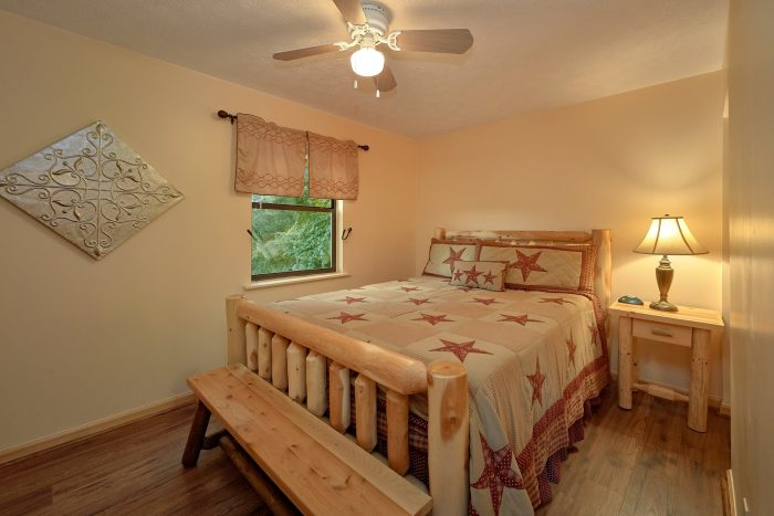 3 bedroom cabin with Bunk Beds and Arcade Game - Sea of Clouds