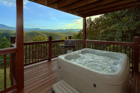 3 bedroom cabin with hot tub and mountain views - Sea of Clouds