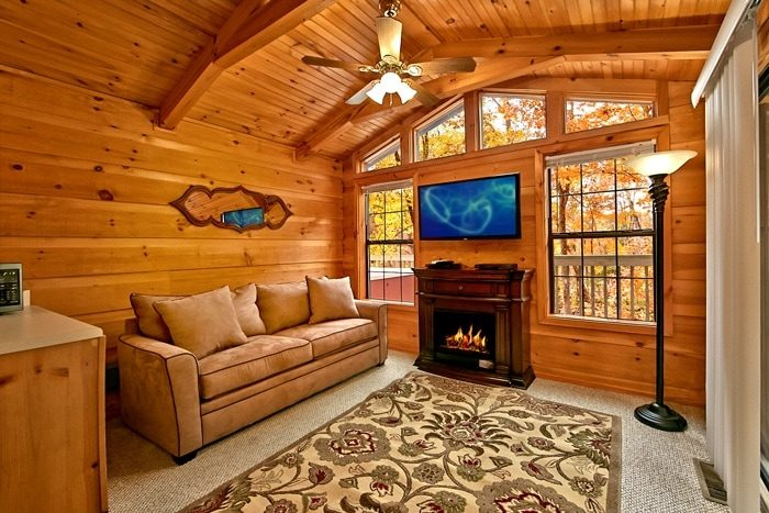 Cabin with Sleeper sofa and fireplace - Secret Rendezvous