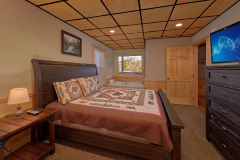 Lower Level King Master Suite - Serenity