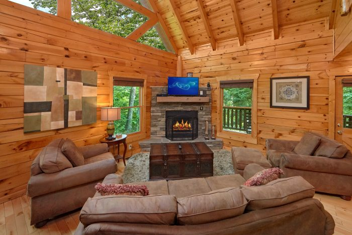 3 Bedroom Cabin with a fireplace - Settlers Ridge Cabin