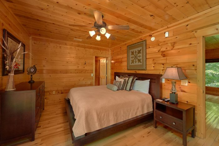3 Bedroom Cabin with 2 King Beds - Settlers Ridge Cabin