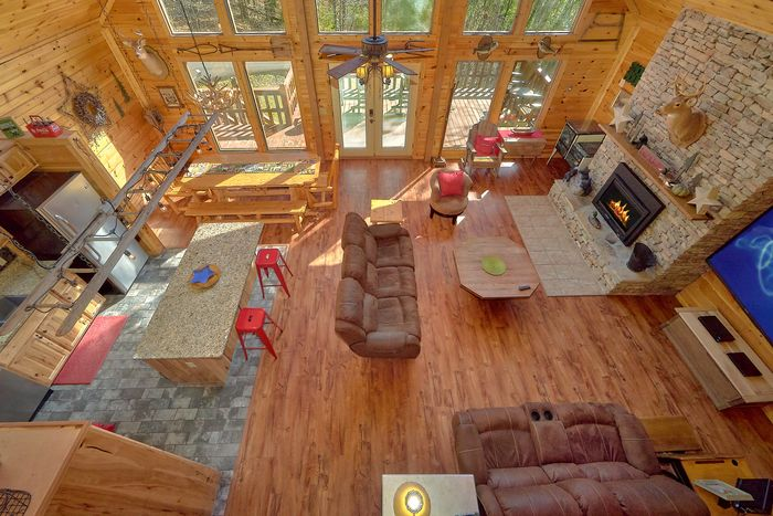 3 Bedroom Cabin Sleeps 12 Large Space - Simply Incredible