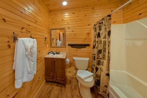 3 Bedroom Cabin with Large Game Room - Simply Incredible