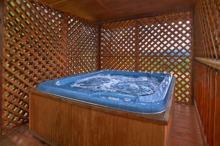 Cabin with Hot Tub and Home Theater Room - Simply Irresistible