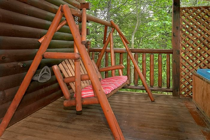 2 Bedroom Cabin with Resort Pool and Hot Tub - Simply Irresistible