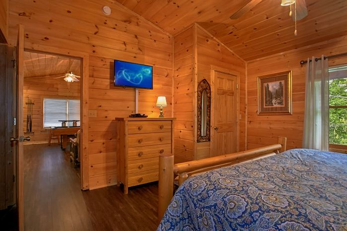 Spacious Cabin with 2 King Bedrooms - Simply Irresistible