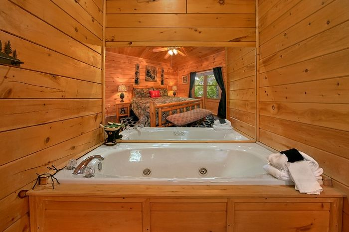 Private Jacuzzi Tub in King Bedroom in cabin - Simply Irresistible