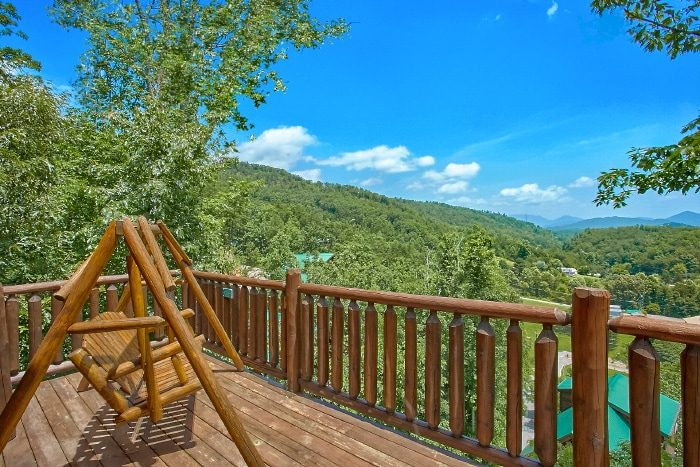 4 Bedroom Cabin with Views of the Smokies - Simply the Smokies