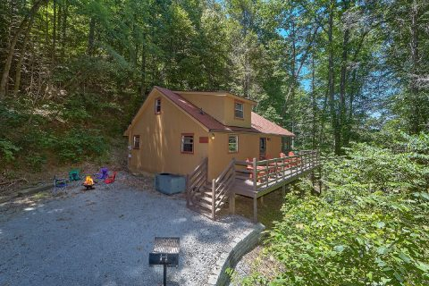 2 Bedroom 2 Bath 2 Story Cabin Sleeps 6 - Sleepy Hollow