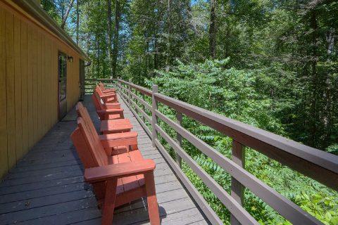 2 Bedroom Cabin Sleeps 6 with Rocking Chairs - Sleepy Hollow