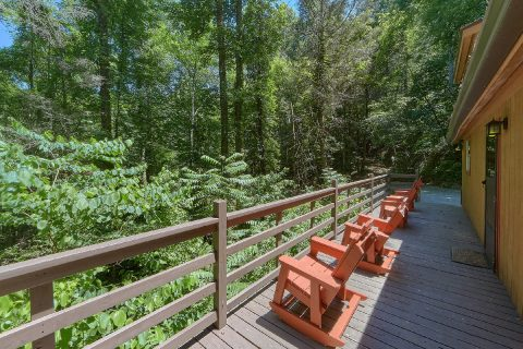 2 Bedroom Cabin with Large Deck - Sleepy Hollow