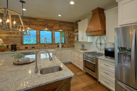 Premium 4 Bedroom Gatlinburg Home Sleeps 10 - Smokey Mountain High