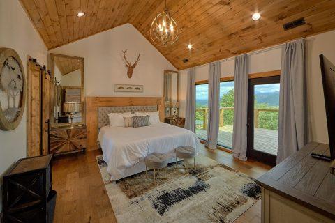 Main Floor Master Suite Gatlinburg Luxurious - Smokey Mountain High