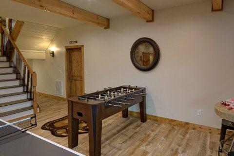 Large Open Space Game Room 4 Bedroom Sleeps 10 - Smokey Mountain High