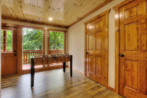 4 Bedroom cabin with Game Room and Theater Room - Smokey Ridge