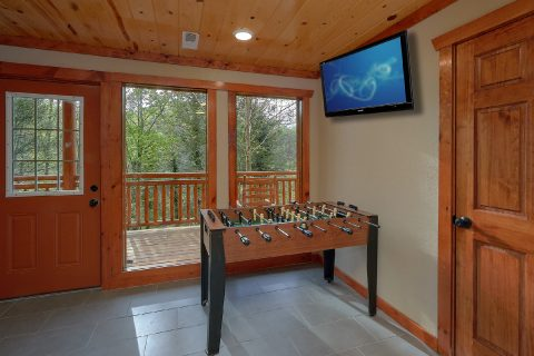 Pool Table, Foos Ball Arcade in Game Room - Smokey Ridge