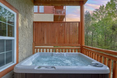Private Hot Tub 4 bedroom Cabin - Smokey Ridge