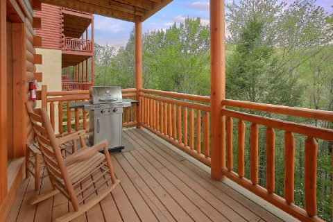 Gas Grill 4 Bedroom Cabin - Smokey Ridge