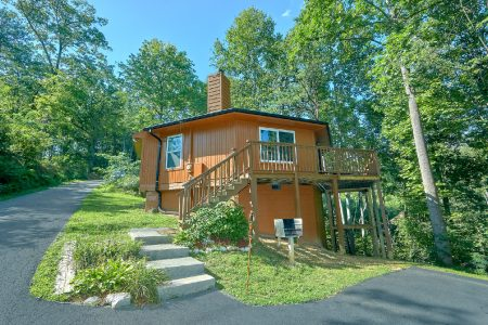 A Happy Haven: 2 Bedroom Pigeon Forge Cabin Rental