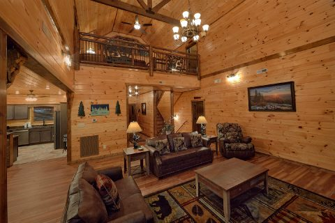 3 bedroom cabin with spacious living room - Smoky Bear Lodge
