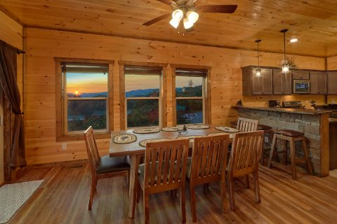 Dining room for 8 at 3 bedroom cabin - Smoky Bear Lodge