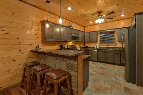 Full kitchen in premium 3 bedroom rental - Smoky Bear Lodge