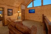 3 bedroom cabin with loft and sitting area