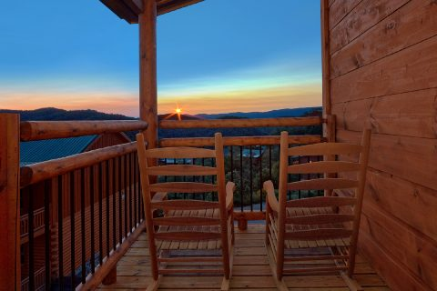 Premium 3 bedroom indoor pool cabin - Smoky Bear Lodge