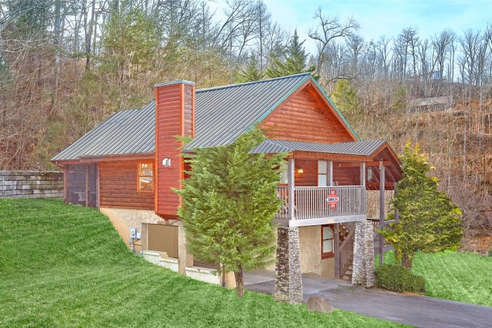 Smoky Hilltop Cabin Rental Photo