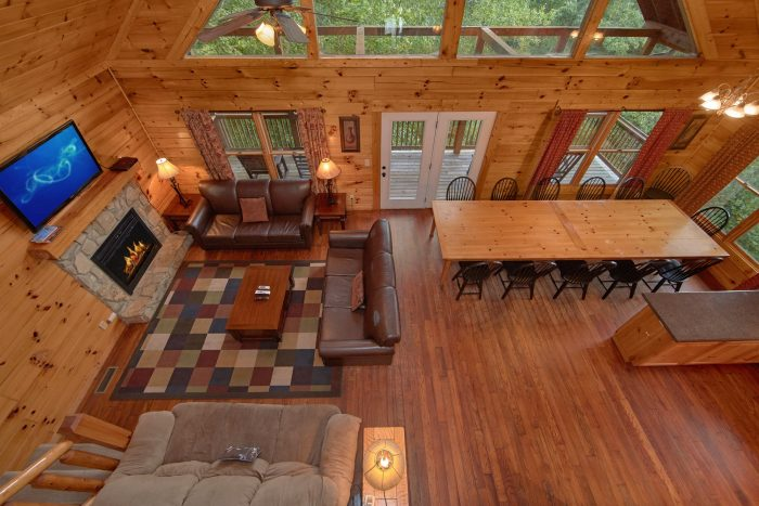 7 Bedroom Cabin with room for Group of 17 - Smoky Mountain Lodge