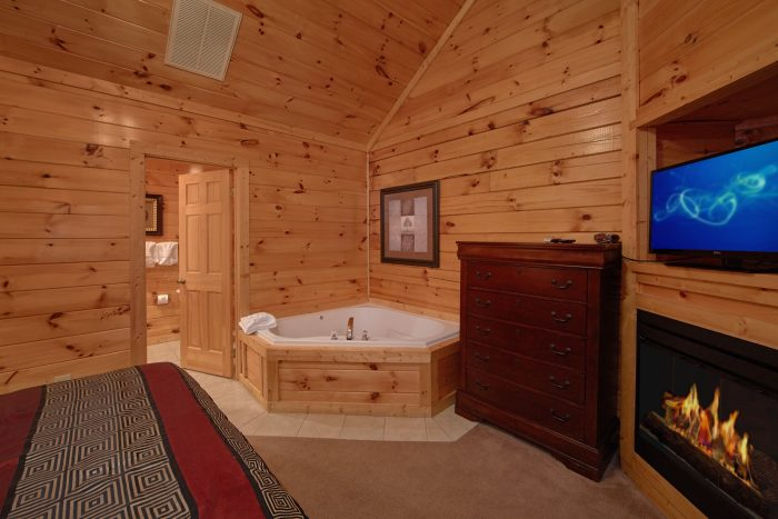 Master Suite with private Jacuzzi and Fireplace - Smoky Mountain Lodge