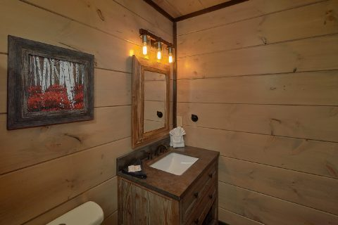 Private Master Bath in Premium 15 bedroom cabin - Smoky Mountain Masterpiece