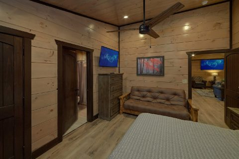 King bedroom and Futon in luxury cabin rental - Smoky Mountain Masterpiece