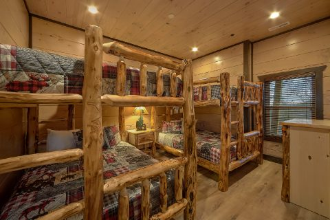 15 bedroom cabin with 7 sets of Queen Bunk Beds - Smoky Mountain Masterpiece