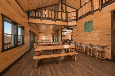12 Bedroom cabin with Spacious Dining Hall - Smoky Mountain Memories