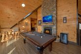 Luxurious cabin with a Pool Table and Fireplace