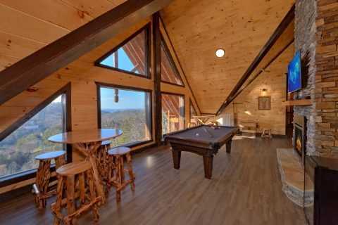 Luxury Cabin with Mountain Views and a Game Room - Smoky Mountain Memories