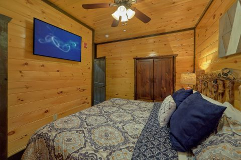 Group Cabin for 48 with King Beds and Futons - Smoky Mountain Memories