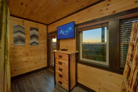 Large Bedroom for 4 with King Bed and futon - Smoky Mountain Memories