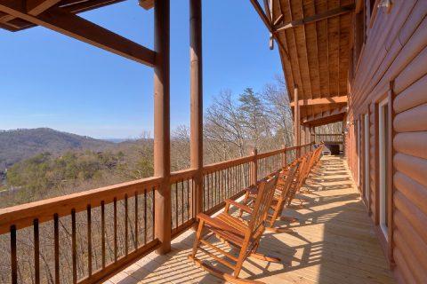 Luxurious Group Cabin with Mountain Views - Smoky Mountain Memories