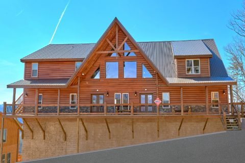 Premium cabin for large groups and families - Smoky Mountain Memories