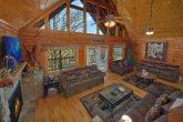 Spacious 5 Bedroom 5 Bath Cabin in Rainbow Ridge