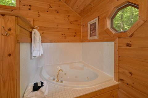 Jacuzzi Tub 1 Bedroom Honeymoon Cabin - Smoky Mountain Time
