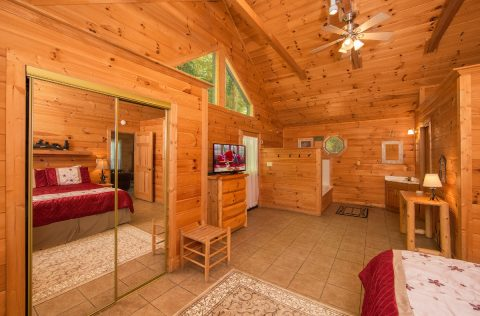 Gatlinburg 1 Bedroom Honeymoon Cabin - Smoky Mountain Time