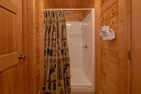 1 Bedroom Cabin with Walk in Shower - Smoky Mountain Time