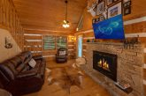 Cozy 2 bedroom cabin with fireplace