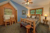2 bedroom cabin with Queen Loft bedroom