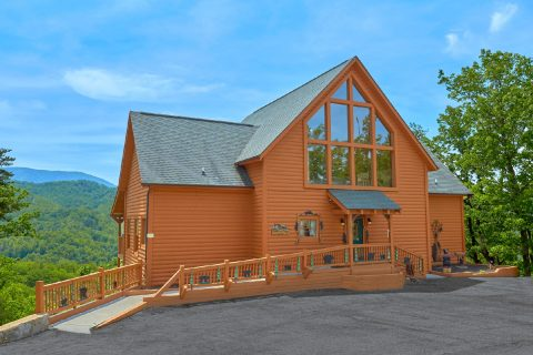 5 bedroom cabin with Mountain View and hot tub - Soaring Ridge Lodge